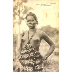 CPA fille Soussou, Afrique Occidentale, Fortier, 1021, Nu ethnique