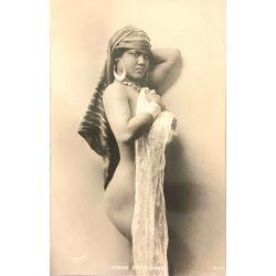 CPA  femme Egyptiènne, sein nu, Reiser, SIP,