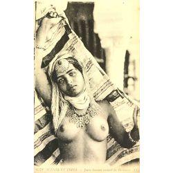 CPA Jeune femme sortant du hammam, seins nus, scenes et types, Lehnert & Landrock, 6578