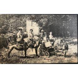 Carte postale ancienne (CPA) Robinson Arret dans les bois