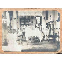 Indochine Hué 1928 femmes a table, photo argentique, vintage photo
